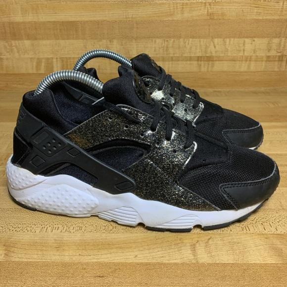 Nike Air Huarache Run SE Black/Gold/ 7Y Women 8.5